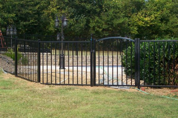 54 inche Black Aluminum Pool Code Fence and Decorative Gate