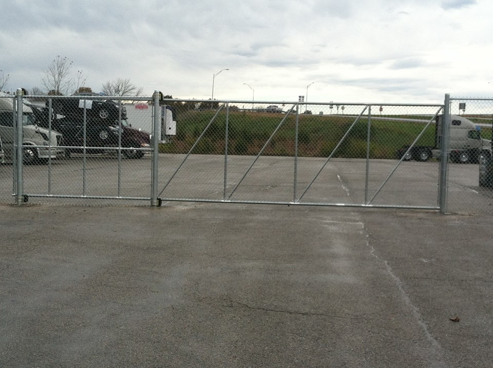 20ft Tall Cantilever Roll Gate
